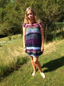Stickad klänning storl s/m Eller tröja M/L Pris: 1500 kr